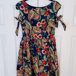 Forever 21 Floral Dress w/ Tulle Under Skirt